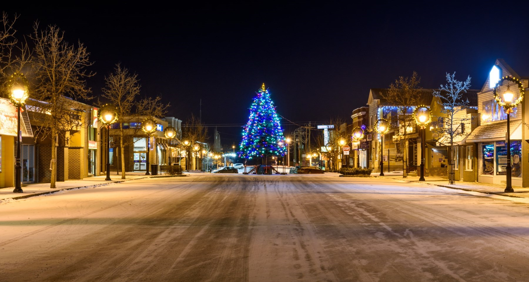 downtown street with christmas tree
